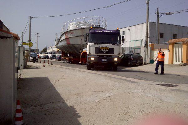 Logistica Essetti - Trasporto barca a motore Sardegna